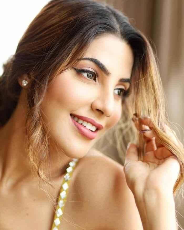Nikki Tamboli actress images