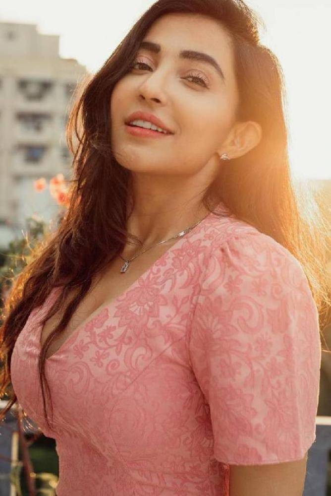 Parvati Nair - Tamil Actress Photos Images Pictures