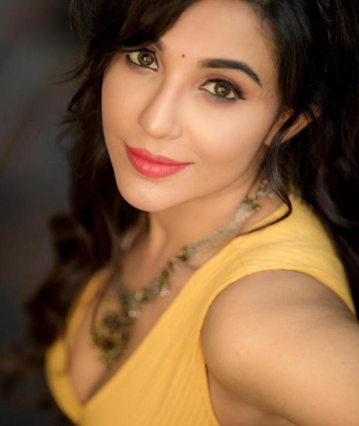 Parvati Nair actress images