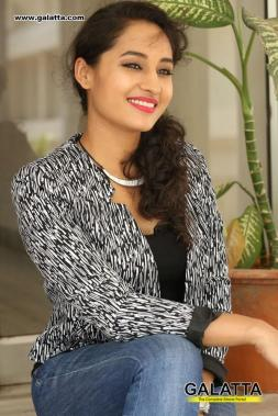 Pooja Ramachandran - Tamil Photos Stills Images