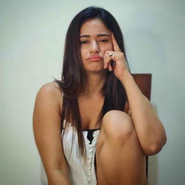 Poonam Bajwa actress images