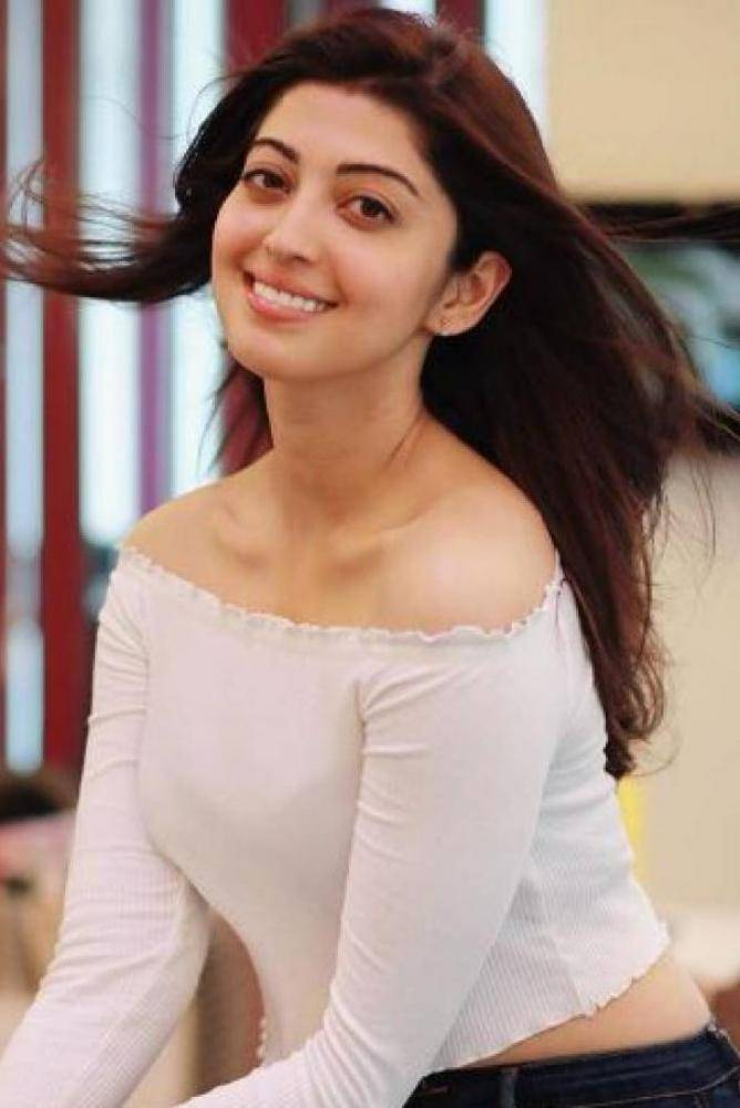 Pranitha - Photos Stills Images
