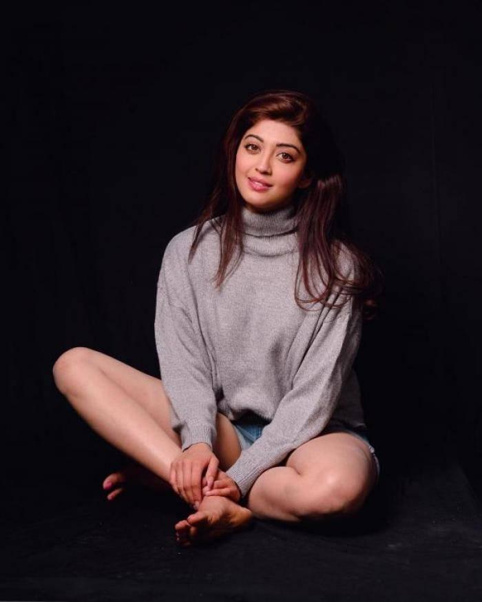 Pranitha actress images