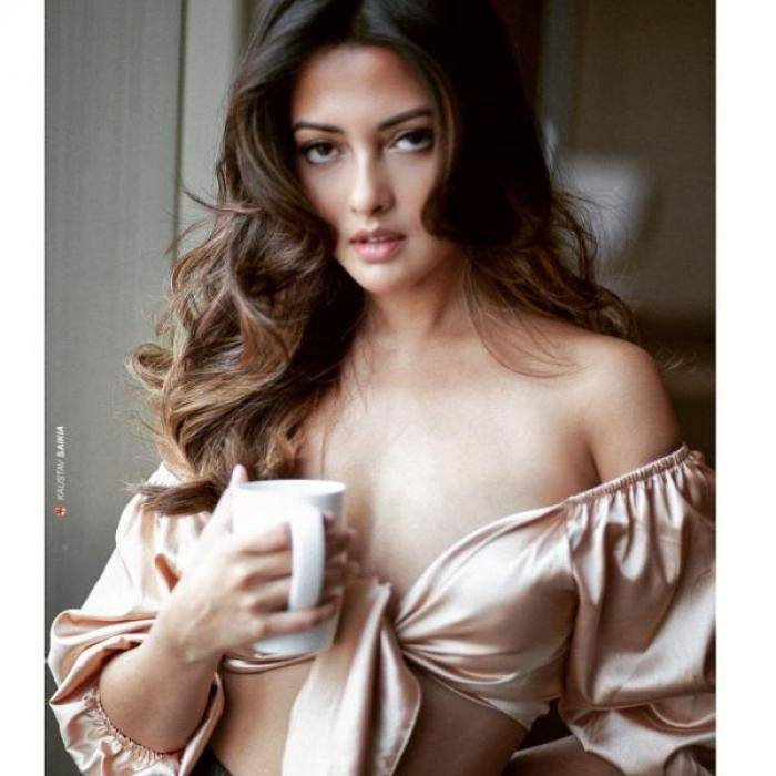 Riya Sen actress images