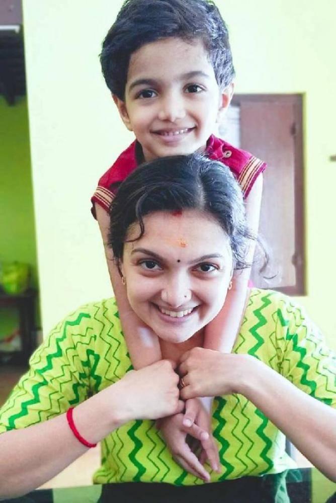 Saranya Mohan - Photos Stills Images