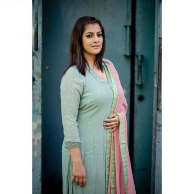 Varalakshmi Sarathkumar actress images