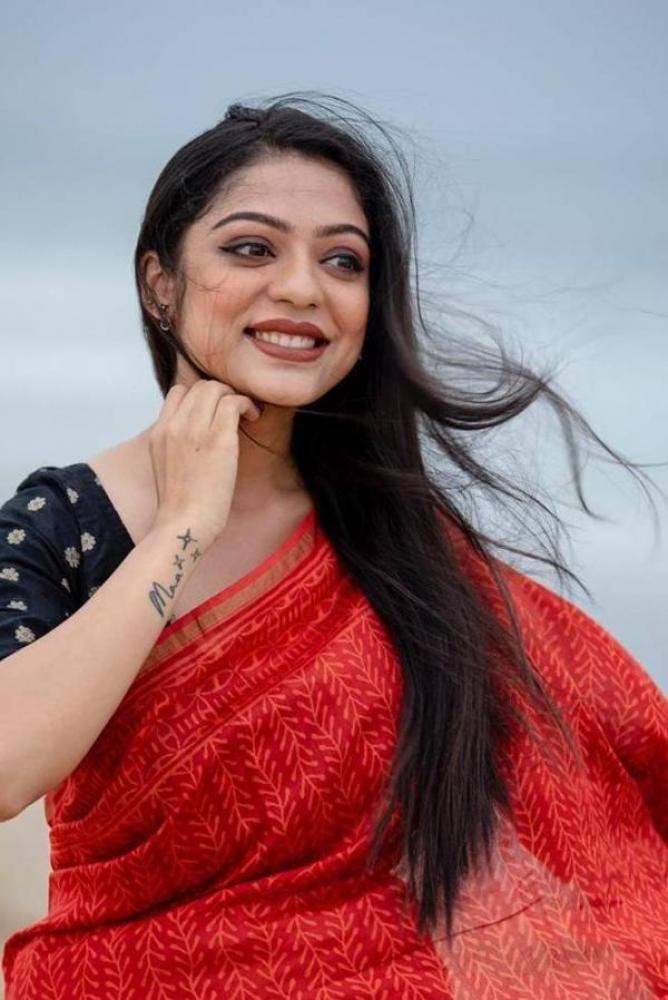 Varsha Bollamma - Tamil Photos Stills Images