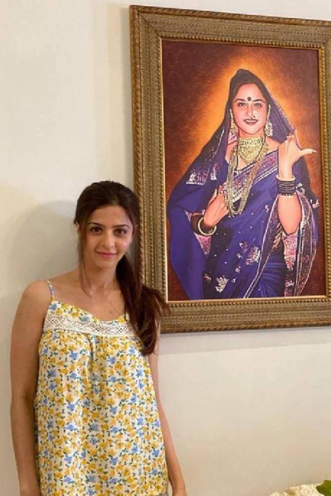 Vedhika - Photos Stills Images