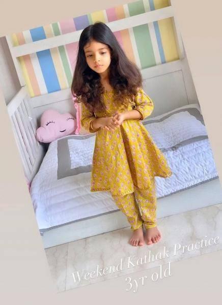 popular indian actress asin daughter photo goes viral