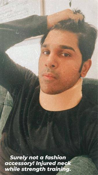 popular young actor allu sirish neck injured due to strength training