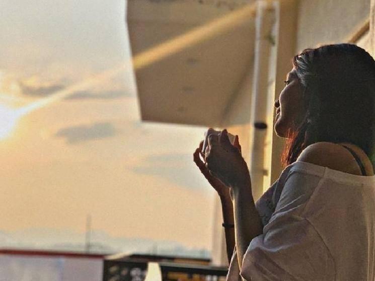 ரசிகர்களை கிறங்கடிக்கும் சீரியல் நடிகையின் பிகினி புகைப்படம் ! - Latest Tamil Cinema News