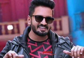 மூன்று வேடங்களில் மாஸ் காட்ட தயாராகும் சந்தானம் !  - Latest Tamil Cinema News