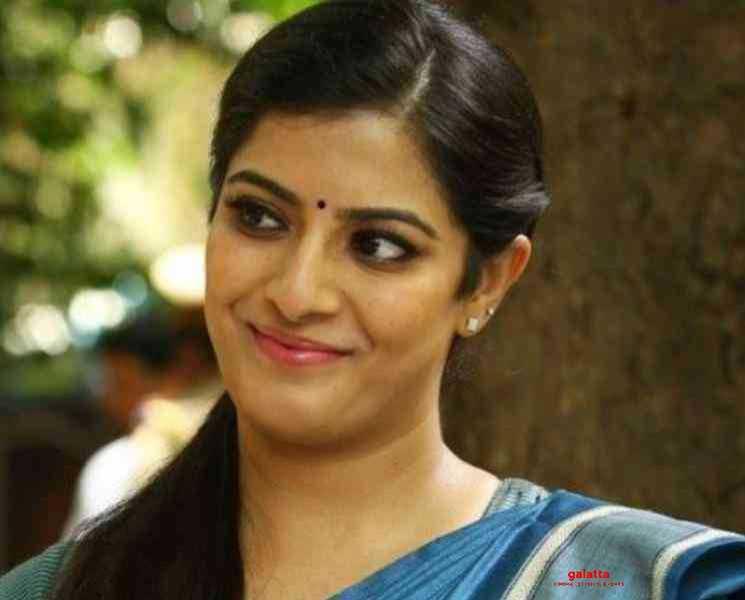 பெண்கள் நலனுக்காக வரலக்ஷ்மி சரத்குமார் வெளியிட்ட வீடியோ ! - Tamil Movies News
