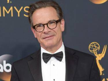 SAD: Emmy Award-winning actor Peter Scolari dies after battle with cancer - Tamil Movies News