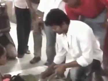ரசிகர்களுடன் தளபதி விஜய் ! ட்ரெண்டிங் வீடியோ