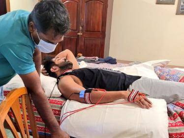 arun vijay working in hari av33 with injury and getting treated after shoots