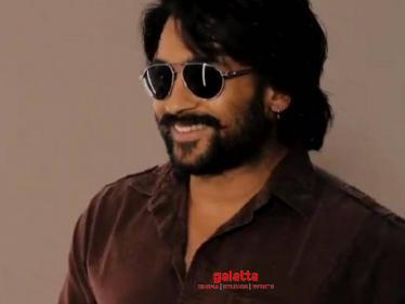 Suriya's Soorarai Pottru First Celebrity Review | Madhavan | Sudha Kongara