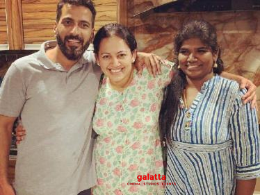 Anbu Gang reunites outside Bigg Boss house - Archana's latest trending picture!