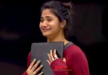 பிக்பாஸிடம் பல்பு வாங்கிய லாஸ்லியா !  - Latest Tamil Cinema News