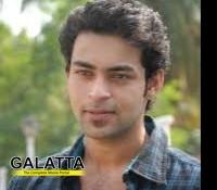 Varun Tej Trapped Racha Ravi Scene Varun Tej Pooja Hegde - Movie Cinema News