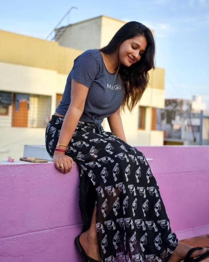 Sharanya Turadi Sundaraj - Tamil Photoshoot Stills Images