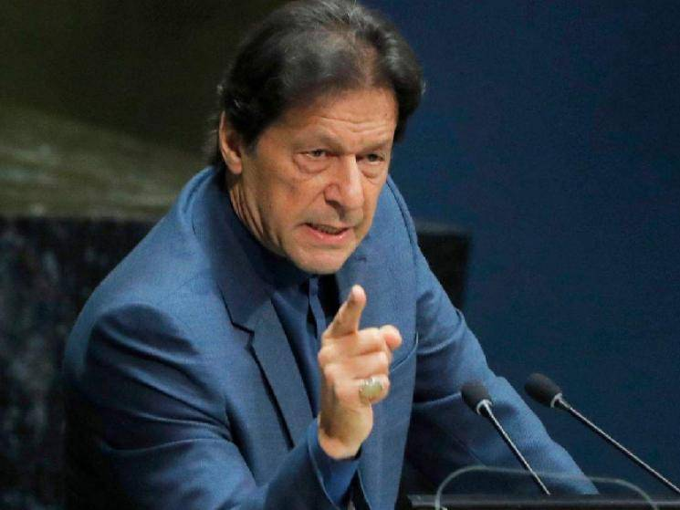 Man who mocked Pakistan PM Imran Khan over Kashmir beaten up in public and arrested!