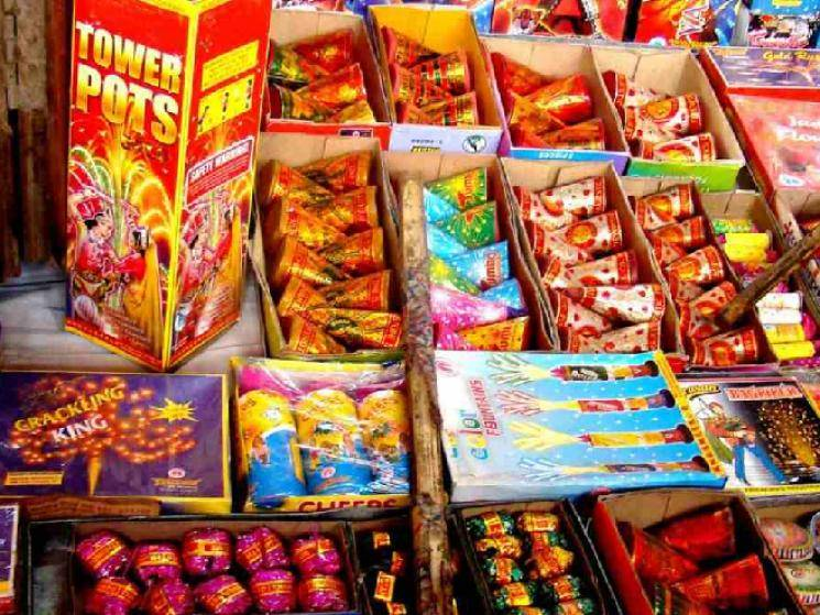 Karnataka Government revises cracker ban decision and allows green fireworks!
