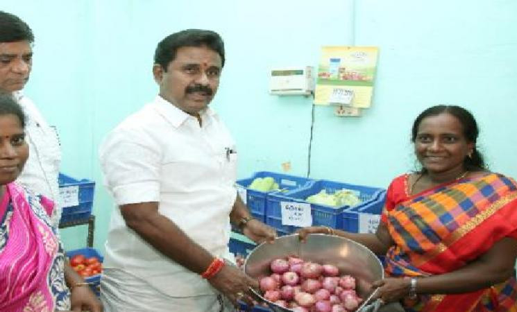 TN Food Minister Kamaraj tests COVID positive!