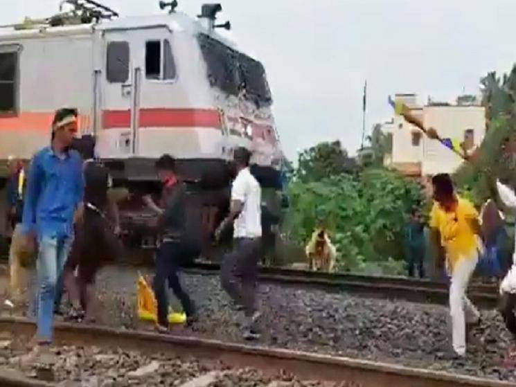 PMK cadres throw stones at trains and disrupt services near Chennai!