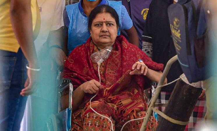VK Sasikala released from jail but still in hospital!
