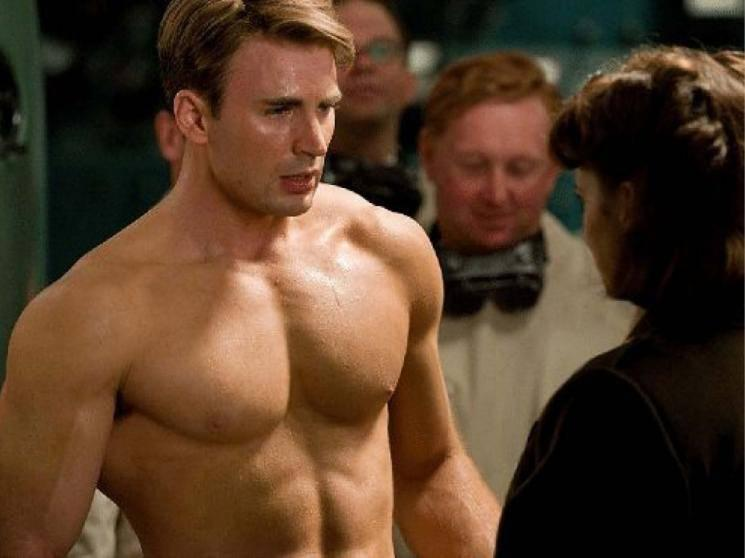 Captain America and Avengers star Chris Evans accidentally leaked a nude pic, social media blows up