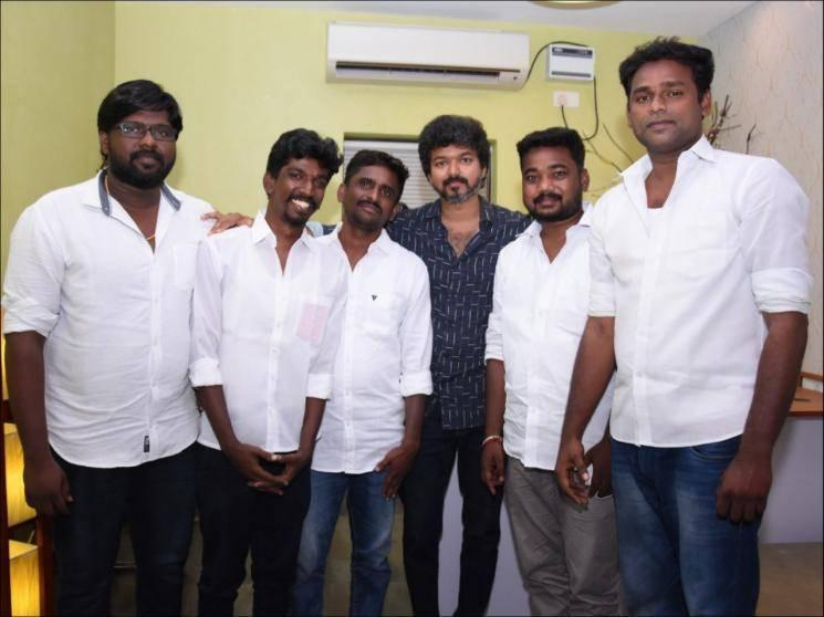 Thalapathy Vijay's surprise sudden meeting with Vijay Makkal Iyakkam members